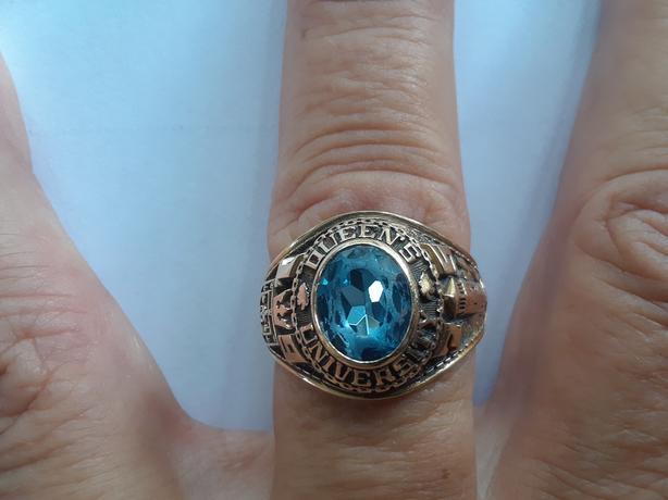 Queens University School Ring