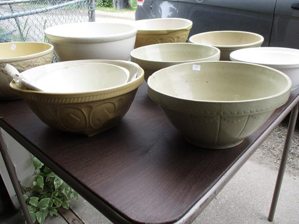 VINTAGE MIXING BOWLS FROM ESTATE