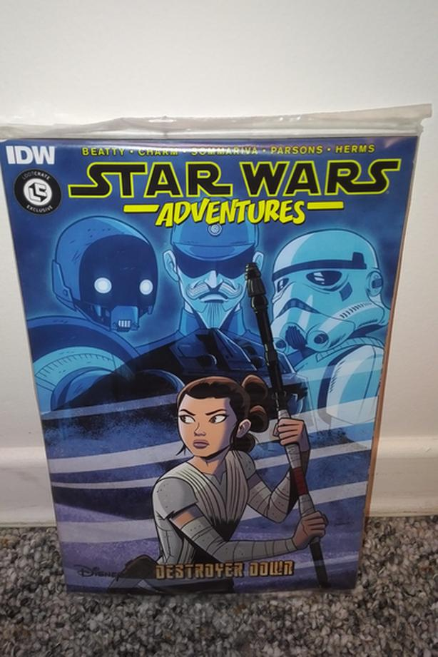 EXCLUSIVE: Star Wars Adventures Graphic Novel - Not In Stores