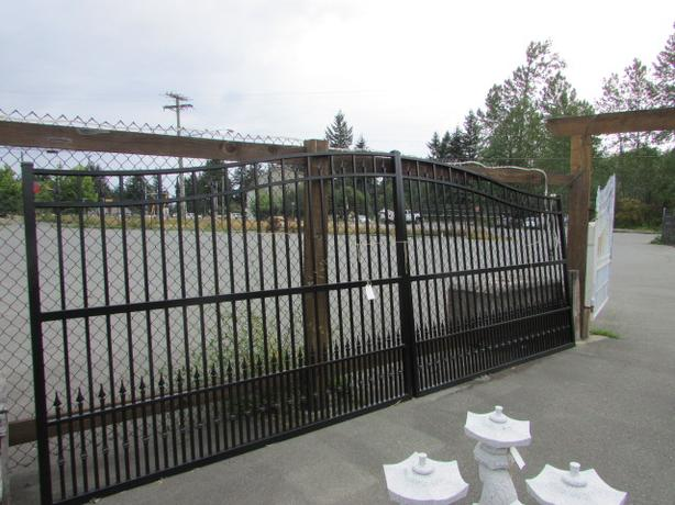 Gates are 10ft  12ft   16ft   all Aluminum never rust