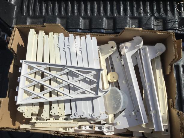 Vanguard Shelving Brackets (25 pieces in total)