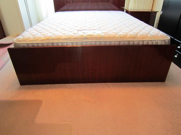 Luxury Queen Size Bed with mattress
