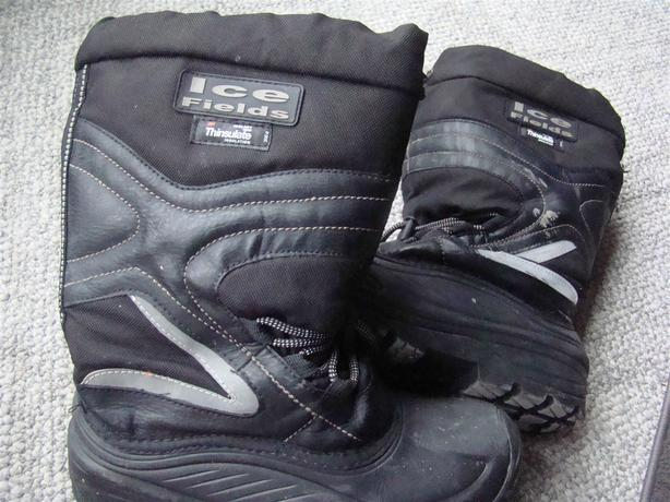 Ice Fields - Thinsulate Insulated Snow Shoes Black Size 9 - Non Slippery Sole