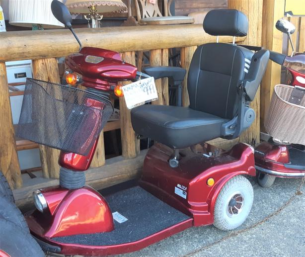 Price Drop!! Karma KSS-737-2, 3-Wheel Mobility Scooter...hardly used, serviced