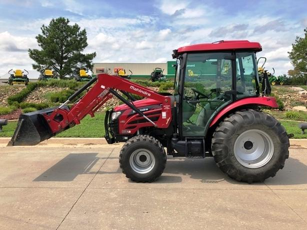 2018 Mahindra 2555 Tractor