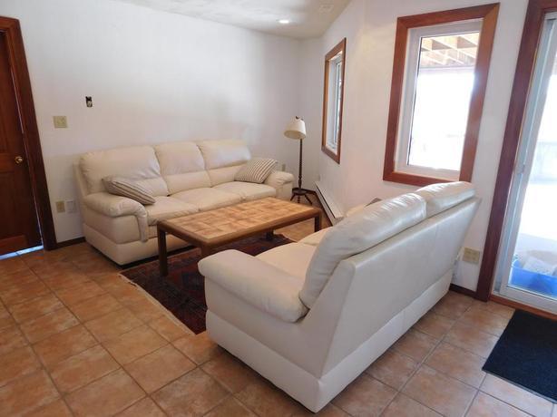 FURNISHED large 1-bedroom-apartment for rent, SIDNEY-NORTH ...