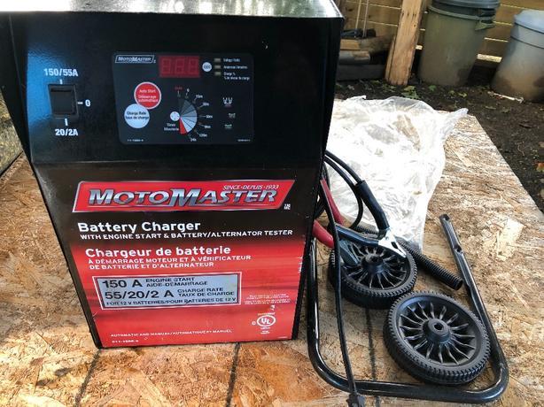 Motomaster Battery charger 2 / 20 / 55 & Engine Start