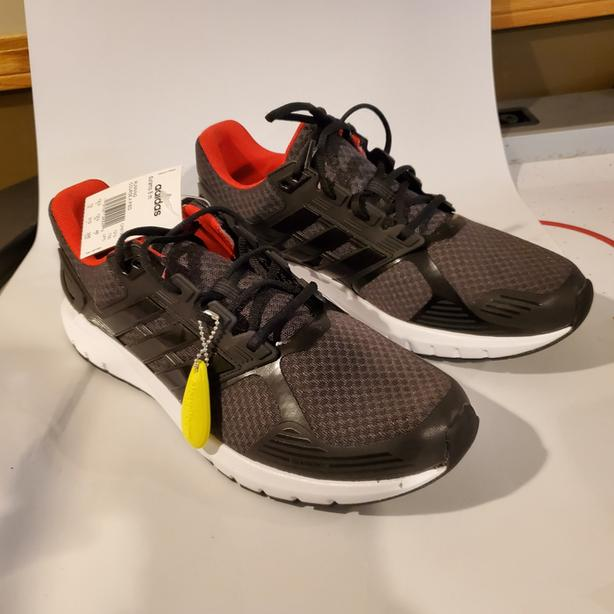 Size 13 mens runners new nike and addidas