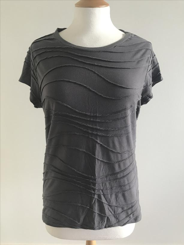 Vera Wang Short Sleeve Shirt