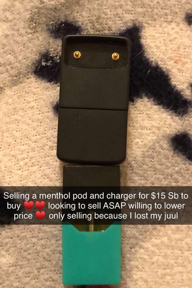Menthol jüül pod, and charger