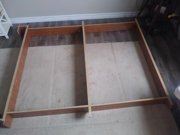FREE: FREE Queen size bed frame