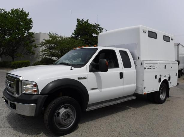 2007 Ford F-550 SuperCab 4WD Service Truck Diesel Dually