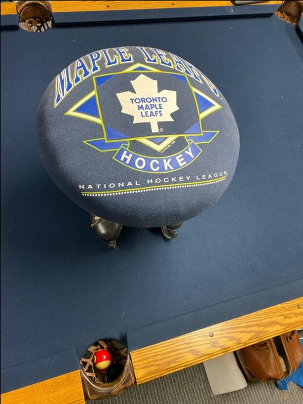 HOCKEY STOOL---Toronto Maple Leaf's