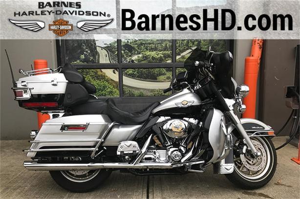 2003 Harley-Davidson® FLHTCUI - Ultra Classic Electra Glide
