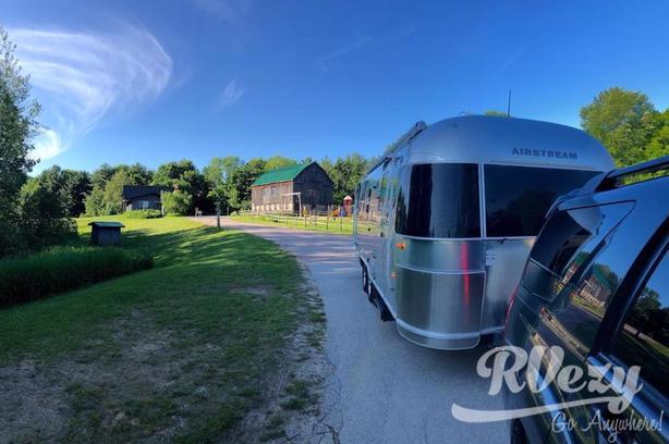 25' (Rent  RVs, Motorhomes, Trailers & Camper vans)