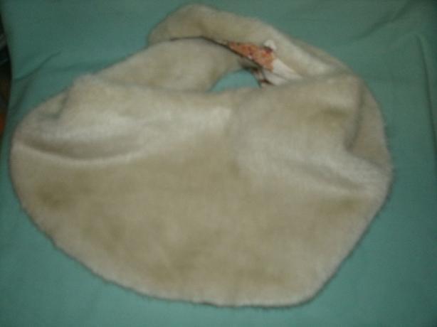 Faux Fur white Stole Cape