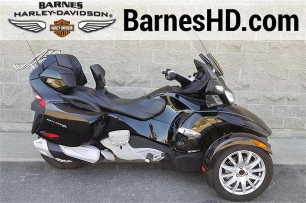 2016 Can-Am® Spyder® RT Limited 6-Speed Semi-Automatic (SE6)
