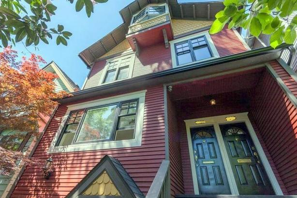 Gorgeous 2 Bedroom Furnished Suite in Beautiful Heritage Home in Kitsilano #892
