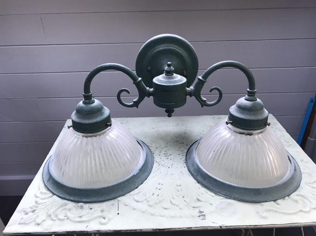 Twin hanging wall lamp