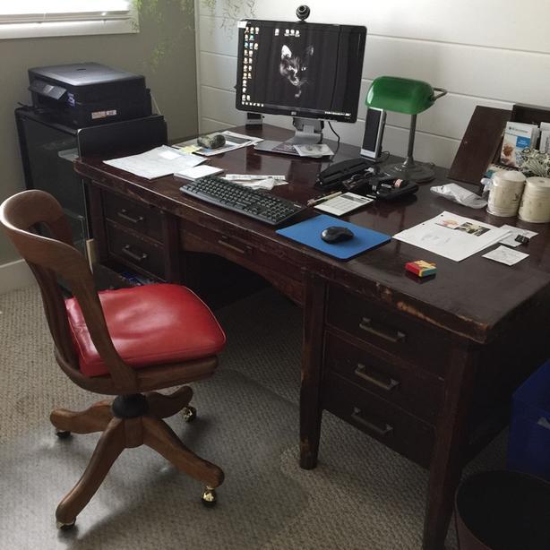 Antique Mahogany Desk 1940- 1960
