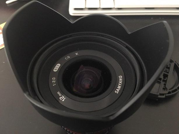 Samyang 12mm wide-angle lens Fuji / Fujifilm X Mount (Good as new)
