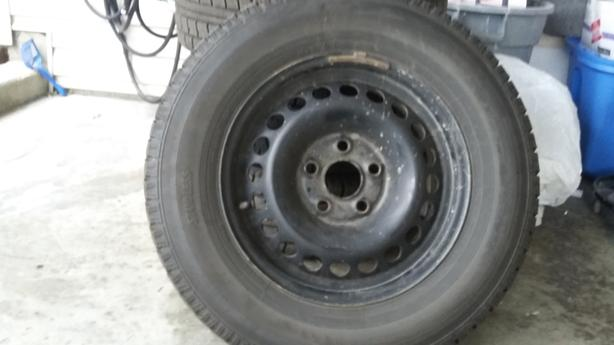 Snow tyres with steel rims