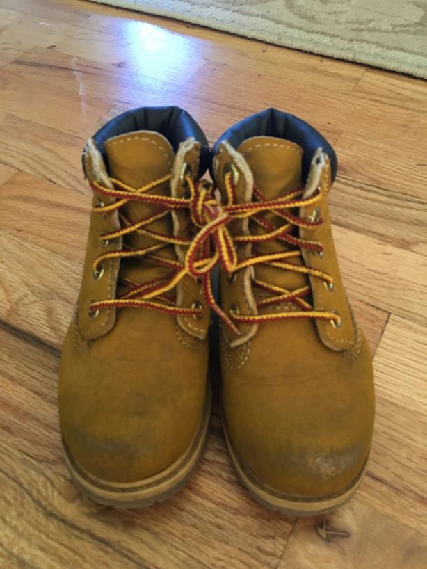 Children's work boot like shoe-Size 9