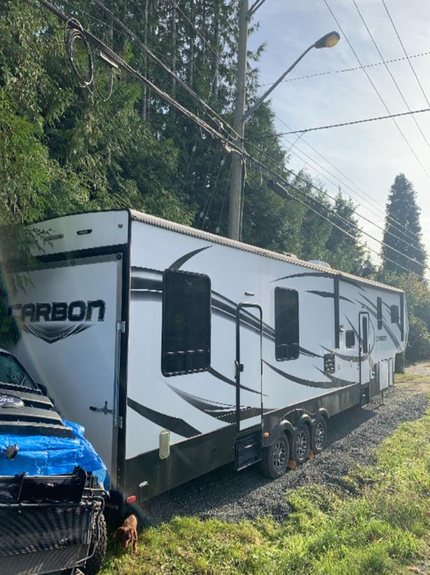 2015 Keystone Carbon Toy Hauler fire / smoke damage Reduced