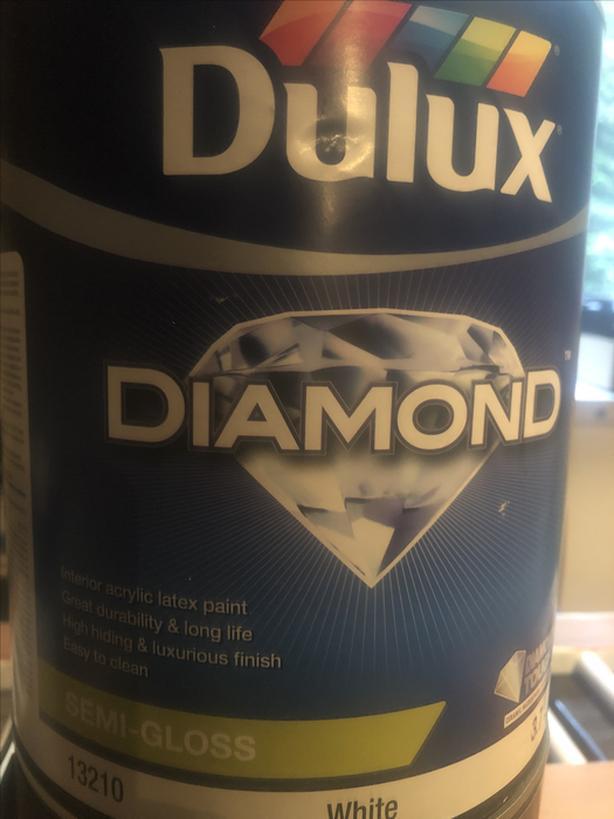 Dulux Diamond Trim paint