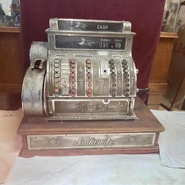 Beautiful Antique Cash Register With Keys