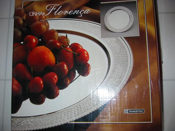 "BRAND NEW TRAMONTINA (BRAZIL) STAINLESS STEEL GIFT BOXED 18"" SERVING TRAY"