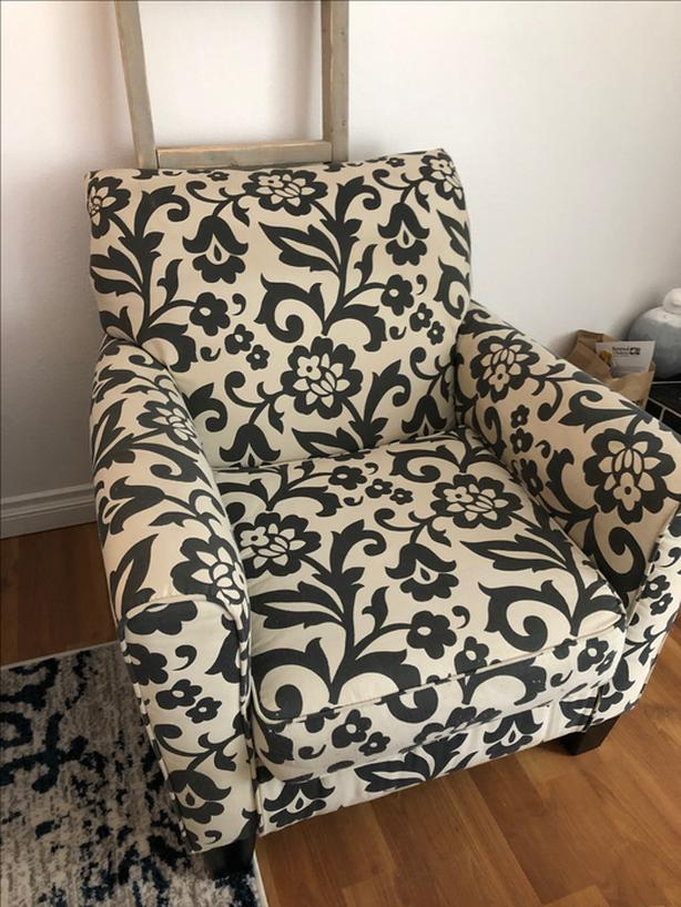 Magnificent Log In Needed 175 Accent Chair Gamerscity Chair Design For Home Gamerscityorg