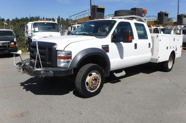 2009 Ford F-450 SD Crew Cab 4WD Dually Diesel Service Truck with Winch