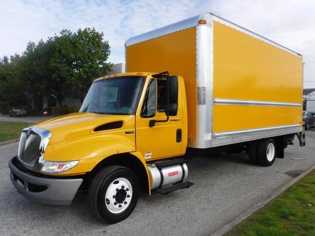 2013 International DuraStar 4300 18 foot Cube Van Diesel Power Tailgate