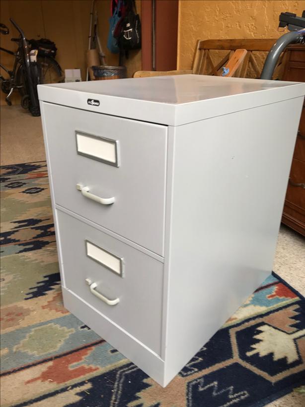 FILING CABINET - 2 drawer