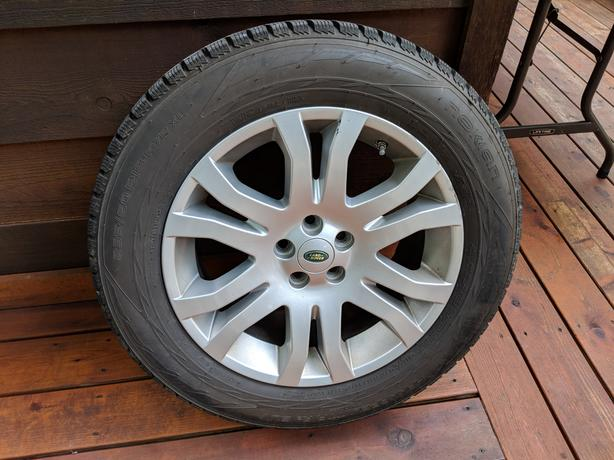 Landrover LR2 Wheels with Nokian winter tires