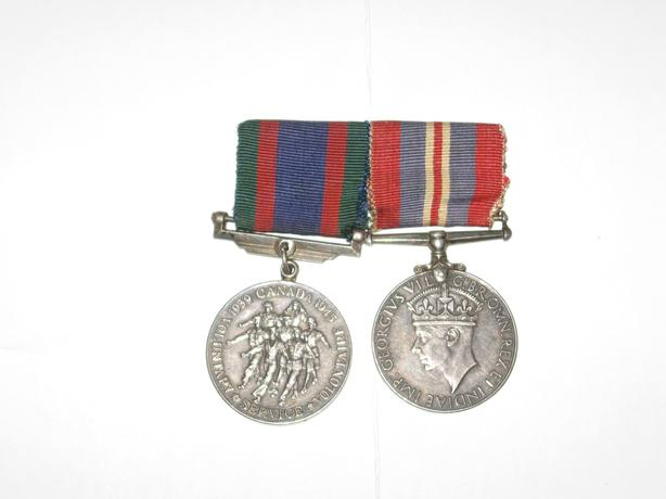 WW 2 Medals CVSM Silver Canadian volunteer & 1939-1945