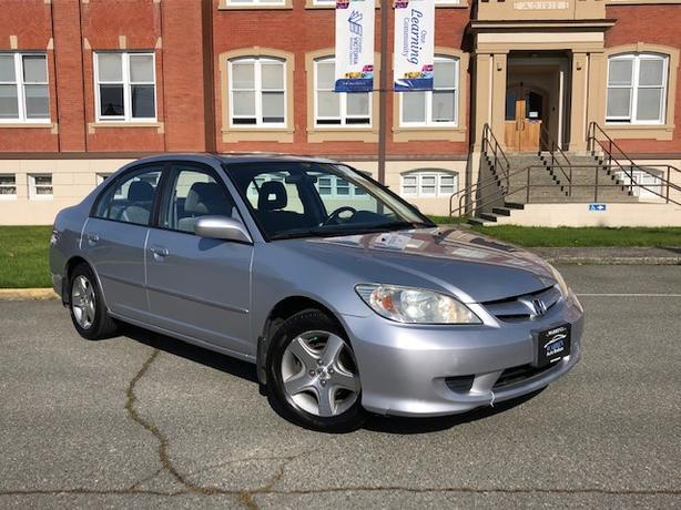 2005 Honda Civic Si, 5 Speed, Alloys, Sunroof, Air!