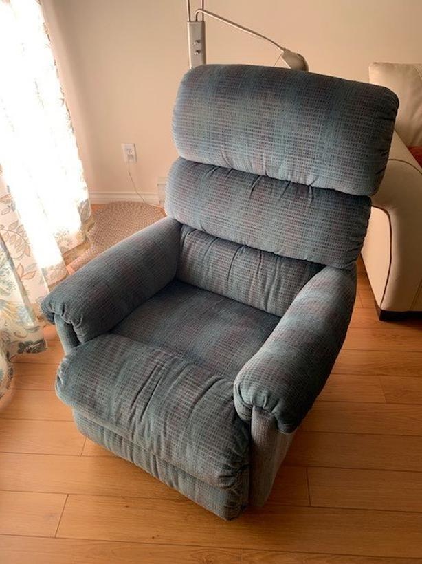 Comfy Lazy Boy Chair
