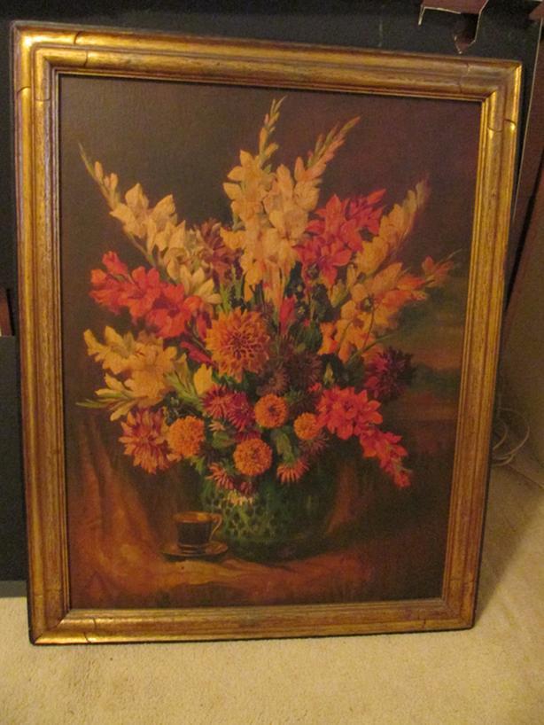 Ochma Floral Portrait w/Gold Frame
