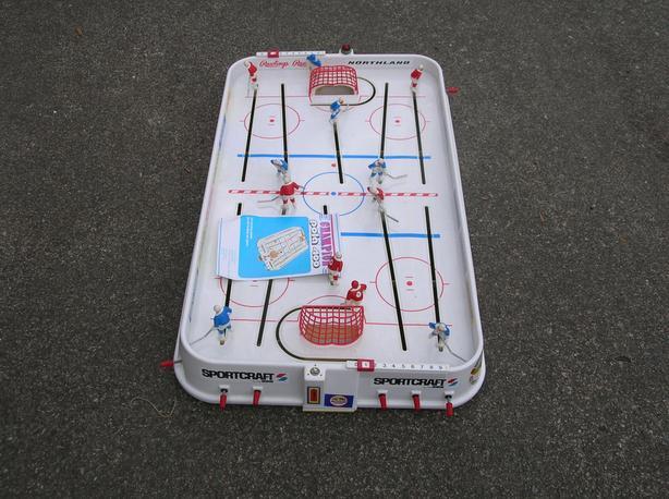 Vintage Sportcraft Pola 400 Puck Master Table Top Hockey Game.  (206 4310)