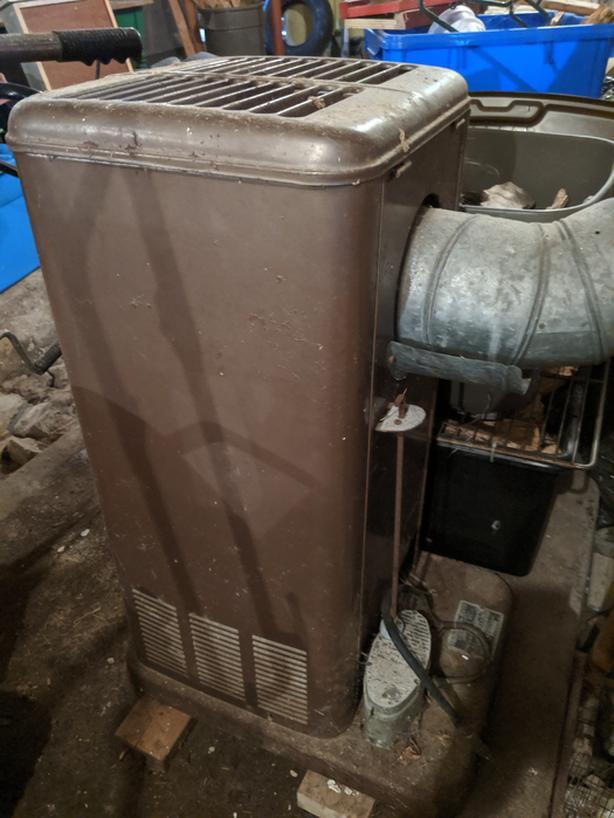 COLEMAN Model 871 Oil Burning Space Heater // Chauffage à l'Huile