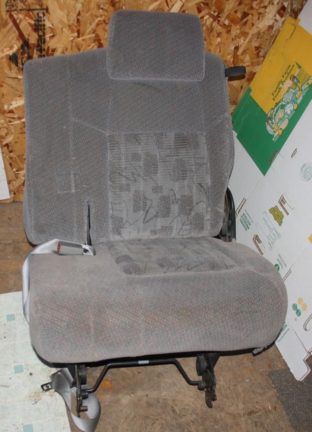 3 seats out of Pontiac Montana MPV