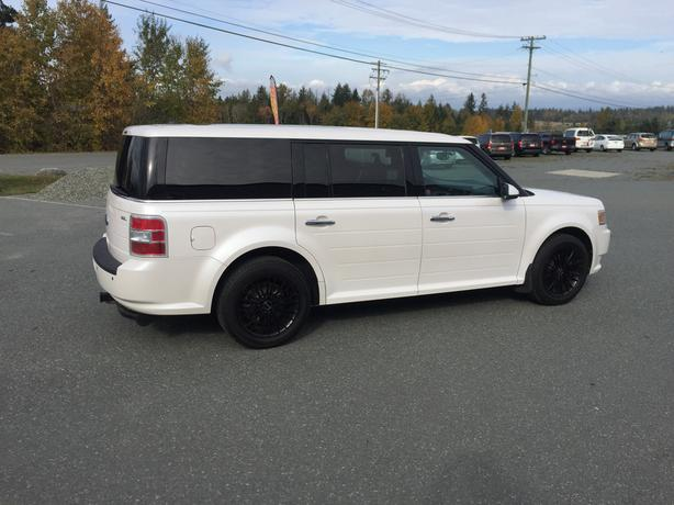 2009 Ford Flex SEL, FWD, 3.5L V6, Automatic, 195,791Kms, No Accidents, White