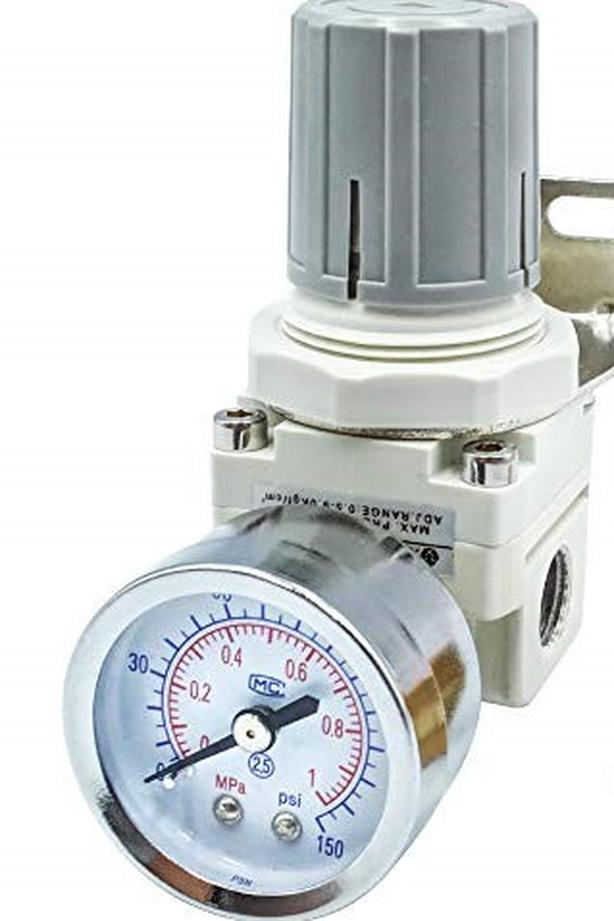 "Air Boss : SKP 3/4"" Air in line regulator c/w Gauge"