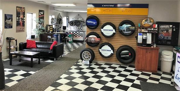 4,200 sqft garage + 2,250 sqft mezzanine for sale Chomedey Laval