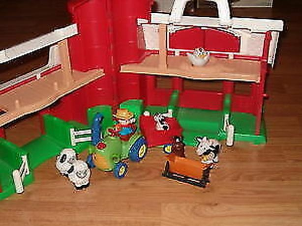 Fisher price,larger barn & farm animals,tractor)