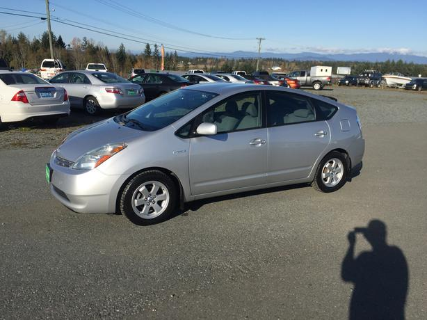 Go Green! Winter Ready 2007 Toyota Prius Hybrid, Silver , Only 156,957 Kms