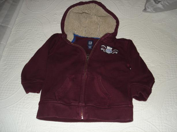 EUC - Size 4 Gap lined, very warm maroon jacket hoodie