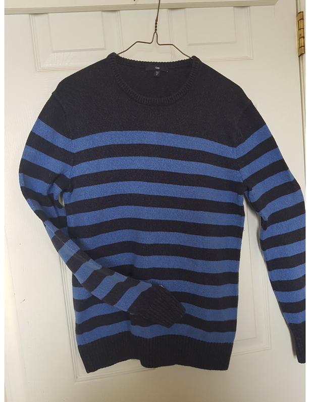 GAP Boy's Blue Sweater (Size Small)